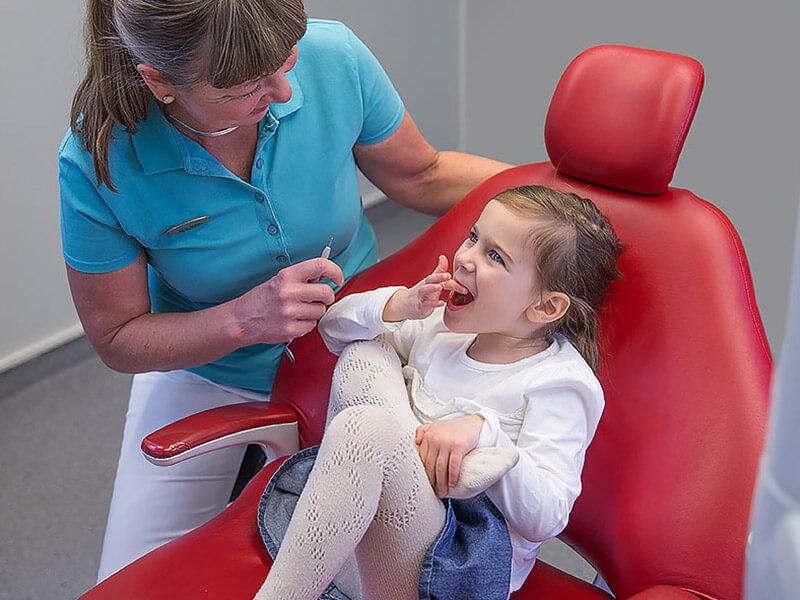 slide-barn-tandlakaren